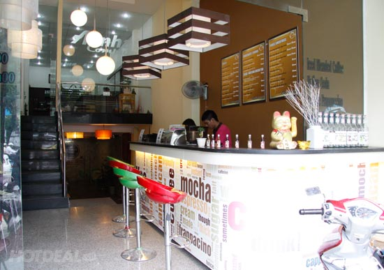 35434_0_body_07-cafe-take-away-bonjour