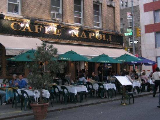 cafe-napoli-in-lil-italy